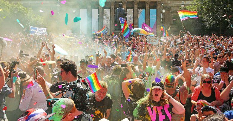 Photo of L'Australia si tinge d'arcobaleno: legalizzati i matrimoni gay