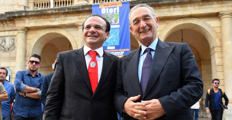 L'on. Cateno De Luca con l'avvocato Carlo Taormina