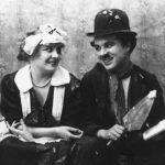 Chaplin e Edna Purviance, la sua prima attrice, in Charlot apprendista (1915)