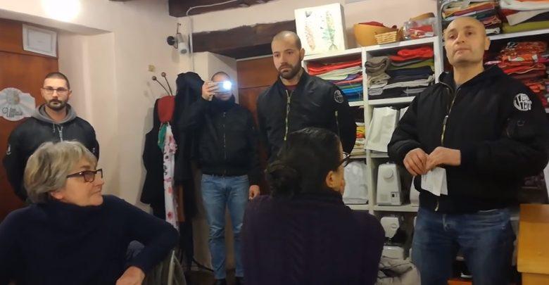"""Il blitz degli skinhead nella sede di """"Como senza frontiere"""""""