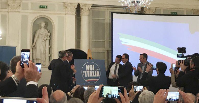 """Photo of """"Noi con l'Italia"""", la grande ammucchiata della quarta gamba del Cavaliere"""