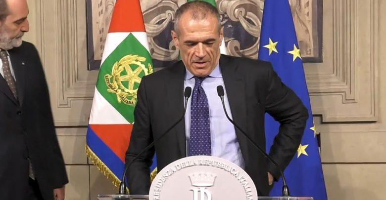 Photo of Governo, Cottarelli accetta l'incarico: «L'esecutivo sarà neutrale, l'impegno è portare l'Italia al voto»