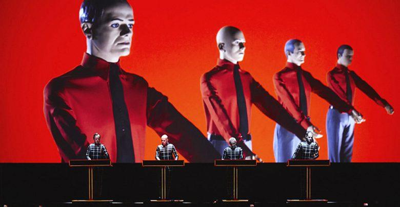 Photo of Kraftwerk: «Sempre avanti». Il concerto in 3D di Taranto