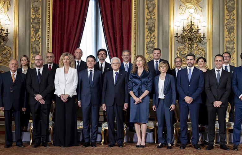 Foto di famiglia nuovo governo Conte