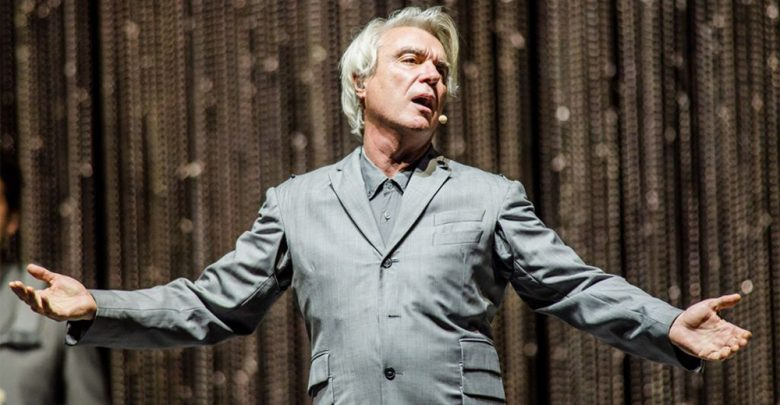 Photo of David Byrne tra utopia e realtà
