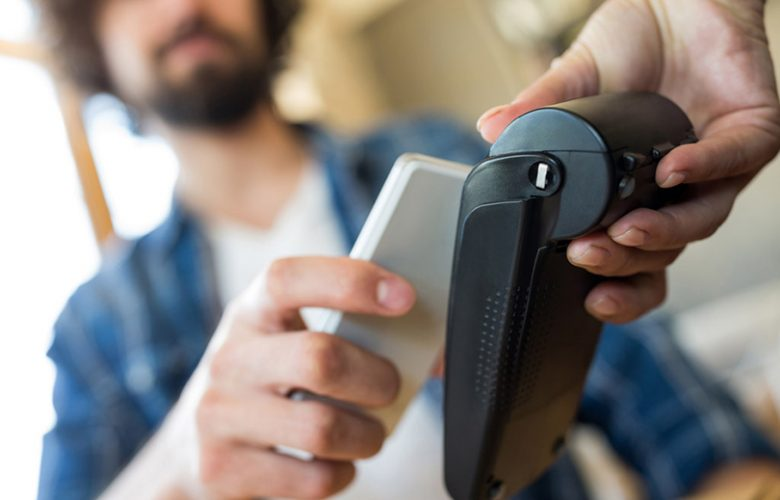 Pagare con Google Play e smartphone