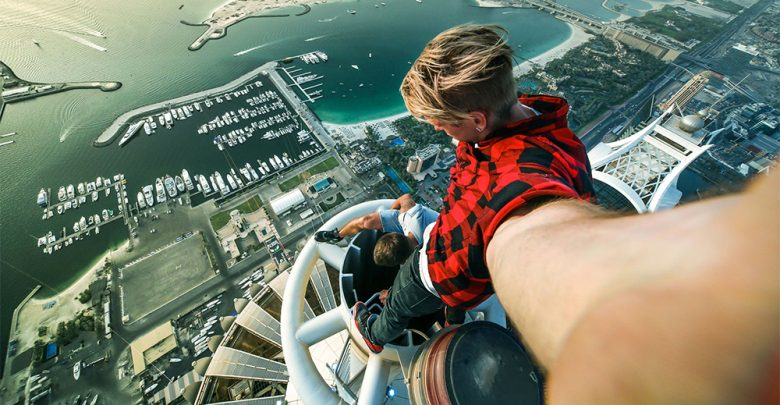 Un selfie pericoloso in cima alla Princess Tower di Dubai