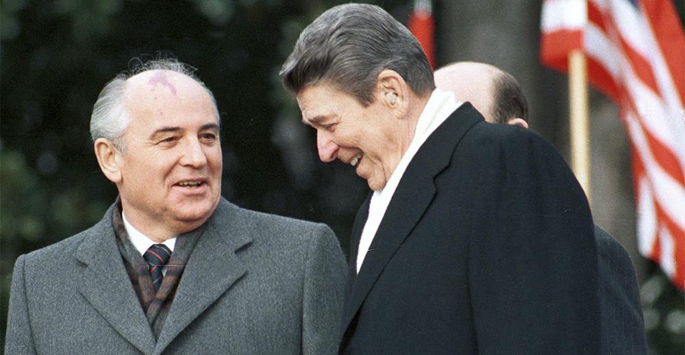 Trump vuole uscire dal trattato sul nucleare firmato da Reagan e Gorbaciov nel 1987