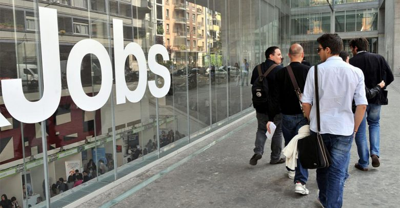 Photo of Lavoro, cresce la disoccupazione ma il 33% dei posti resta vuoto