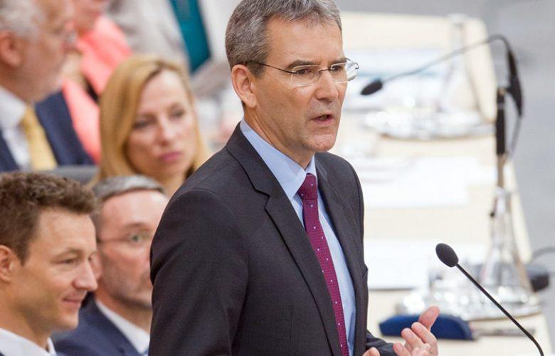 Hartwig Loeger, ministro delle Finanze austriaco