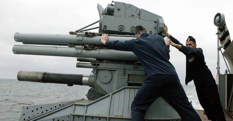 Photo of Alta tensione tra Russia e Ucraina: Kiev impone la legge marziale