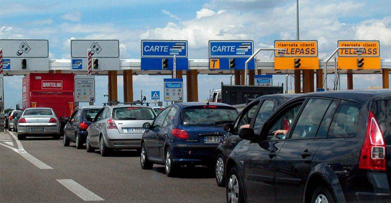 Photo of Autostrade, si va verso il blocco dell'aumento dei pedaggi