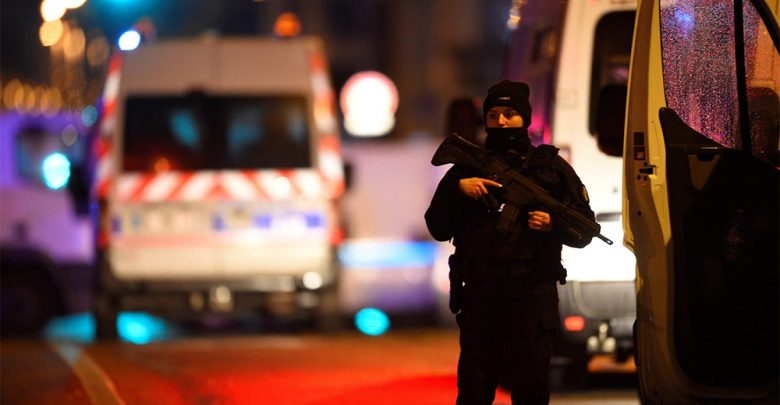 Photo of Attentato di Strasburgo: 3 morti e 13 feriti. L'assalitore è in fuga