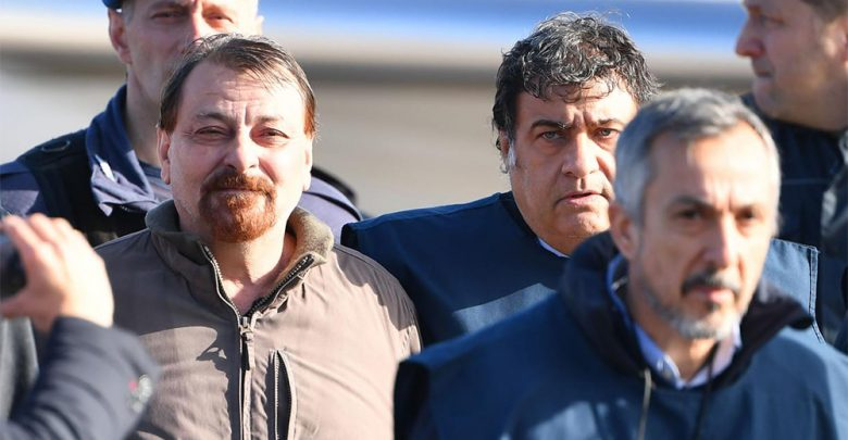 Photo of Cesare Battisti è arrivato in Italia. Salvini: «Adesso marcirà in galera»