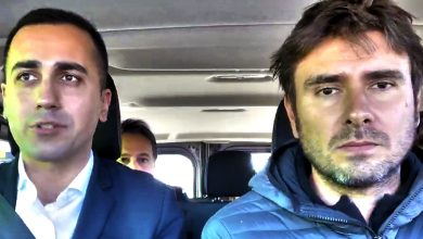 Photo of Di Maio e Di Battista con un pulmino alla conquista dell'Europa
