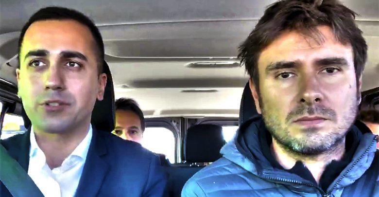 Photo of Di Maio e Di Battista con un pulmino alla conquista dell'Europa