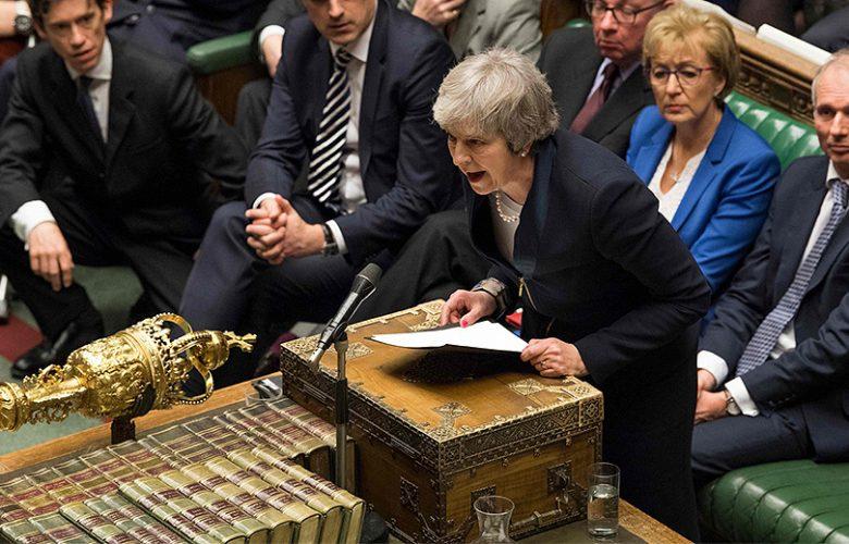 Parlamento boccia accordo Ue per la Brexit a Theresa May
