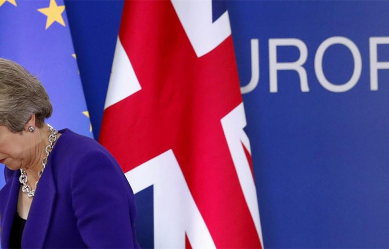Sfiducia Theresa May per bocciatura accordo Ue su Brexit