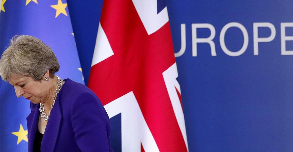Sfiducia Theresa May per bocciatura accordo Ue su Brexit