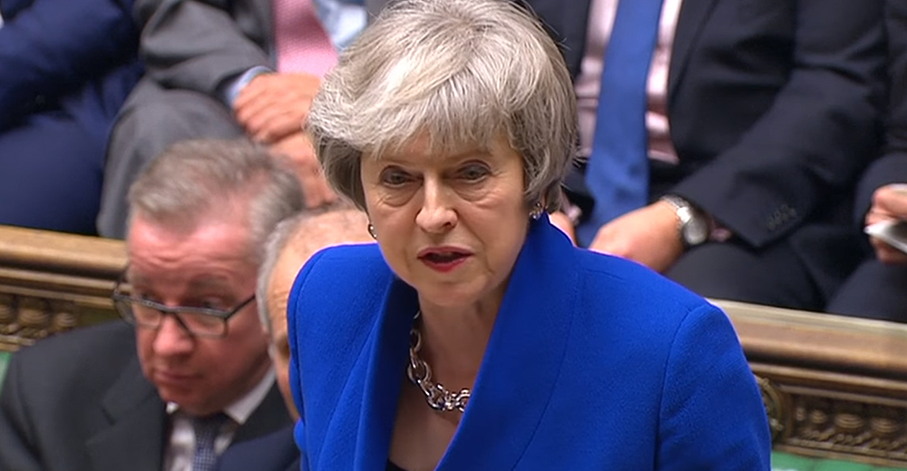 Theresa May fiducia in Parlamento