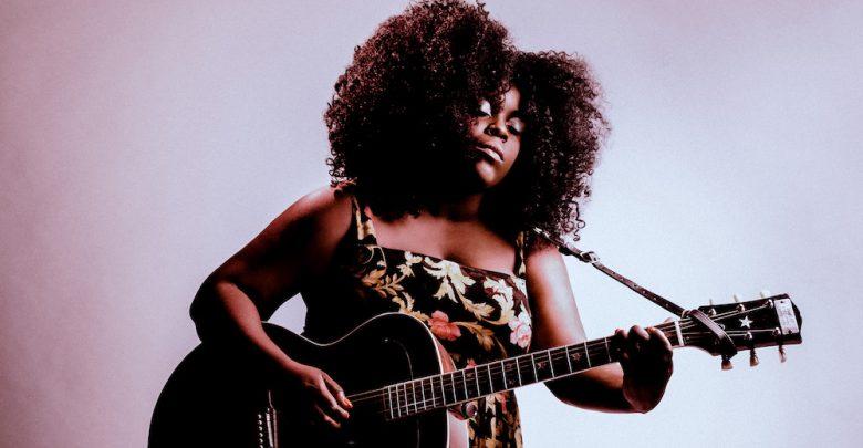 Photo of Yola, dai margini delle strade di Londra a regina nera della country music