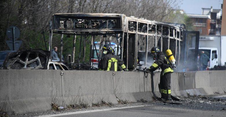 Photo of «Basta morti nel Mediterraneo»: le parole dell'autista prima di appiccare il fuoco sul bus