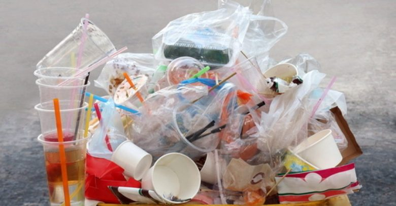 Photo of L'Ue dice addio alla plastica monouso