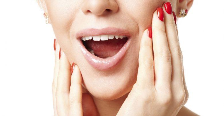"""Photo of Perché la mandibola """"scricchiola"""": malocclusione dentale o bruxismo"""