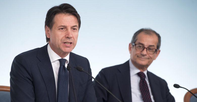 Photo of Governo, via libera al Def: flat tax per il ceto medio e nessun aumento dell'Iva