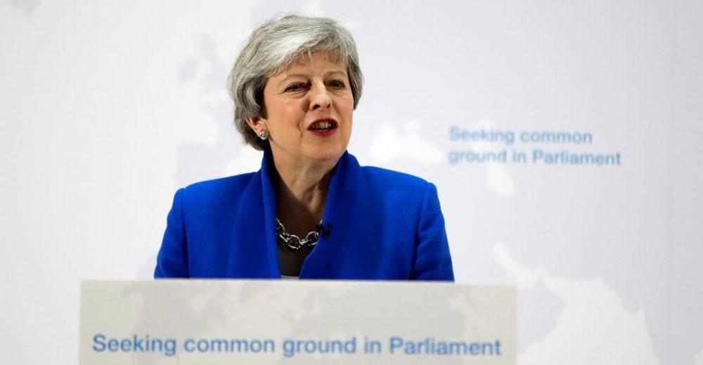 Brexit, la premier May apre a un nuovo referendum