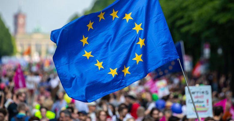 Photo of Europa al voto, si parte da Paesi Bassi e Regno Unito