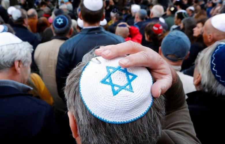 Torna l'antisemitismo in Germania: «Ebrei non indossate la kippah»