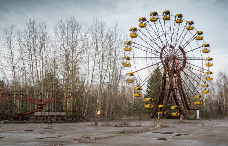 Chernobyl: dalla serie tv ai selfie sui loghi del disastro nucleare