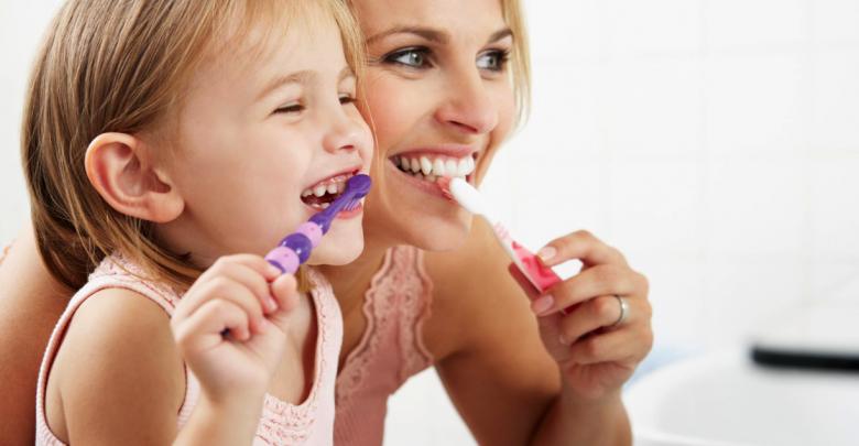 Photo of Cura dei denti, è meglio cominciare da bambini