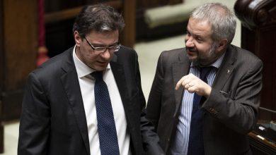 Photo of Giorgetti fa marcia indietro sui minibot, ma era solo una battuta?