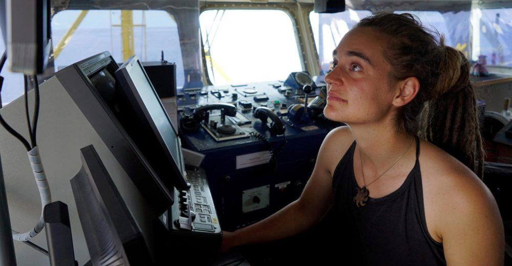 Sea Watch, gli insulti sessisti contro la capitana Carola Rackete