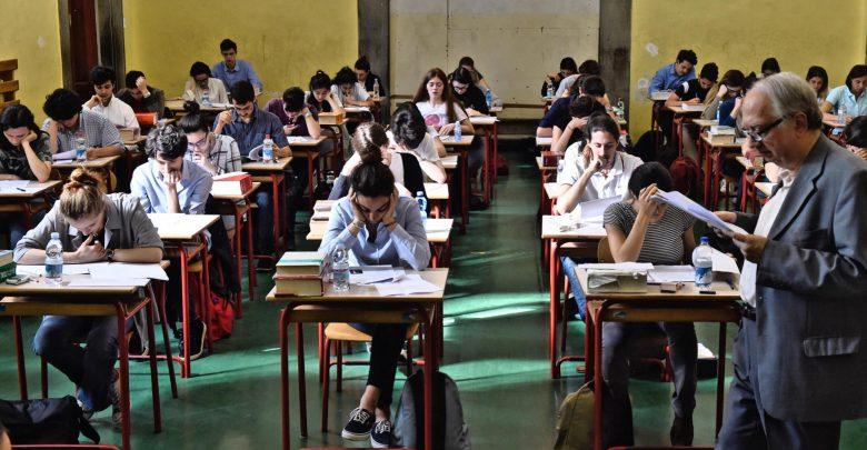 Photo of Maturità, seconda prova mista e tre buste per l'orale: come cambia l'esame