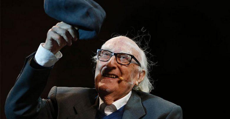 Photo of Morte di Camilleri: il cordoglio della politica e dello spettacolo