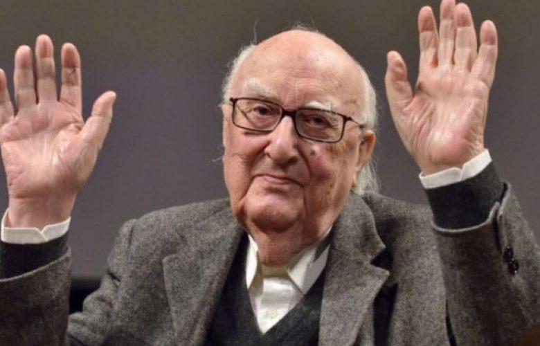 """È morto Andrea Camilleri, il maestro nato per """"cuntare"""" storie"""