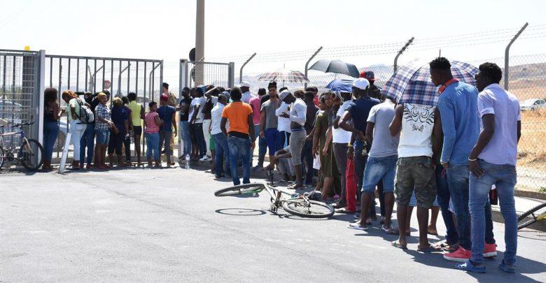 Migranti, i rimpatri di Salvini sono meno di quelli di Minniti