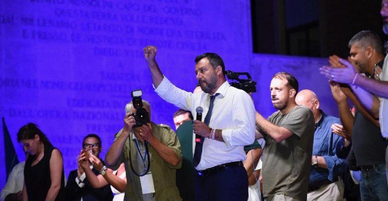 C'è aria di crisi nel Governo, Salvini: «Qualcosa si è rotto, ma non m'interessano i rimpasti»