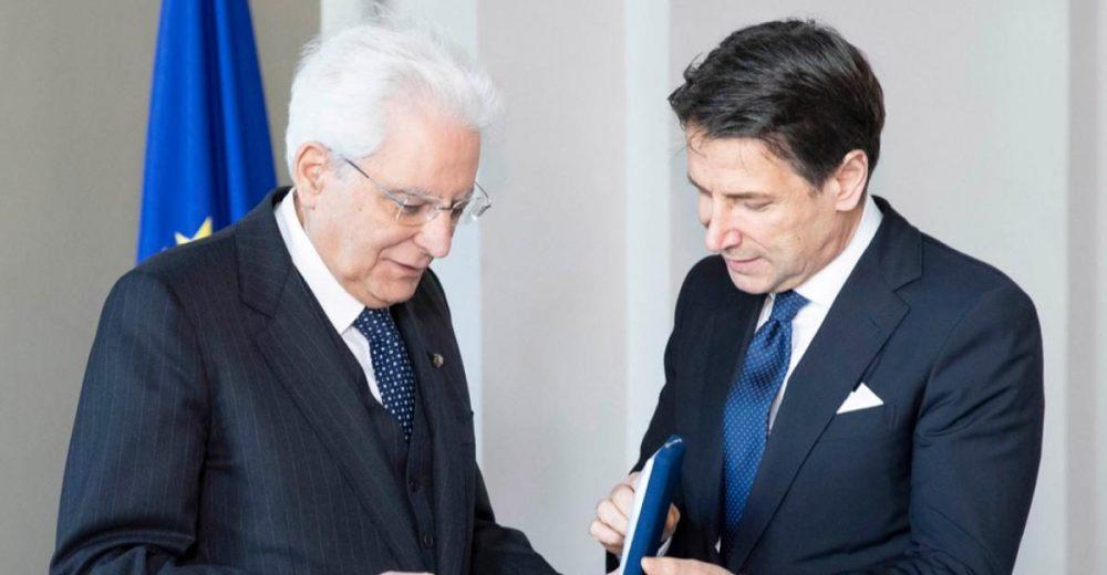 Conte riceve l'incarico da Mattarella: «Non sarà governo contro, ma per il bene del Paese»