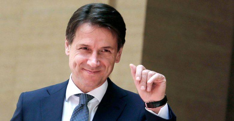 Photo of Conte vince sui social: la sua lettera ottiene più like della risposta di Salvini