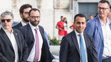 Photo of Governo, Di Maio presenta i 20 punti del programma: «O si accettano o si va al voto»