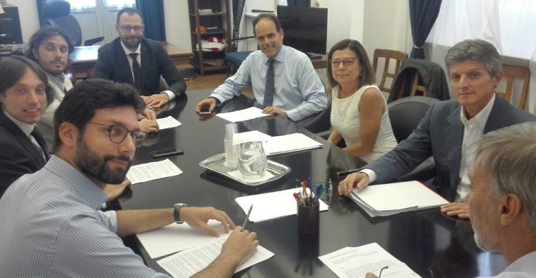 Governo, riparte la trattativa M5s-Pd: «Lavoro positivo, si va avanti»