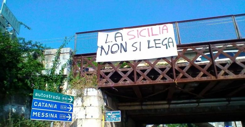 Photo of «La Sicilia non si Lega»: Salvini contestato a Catania e Siracusa