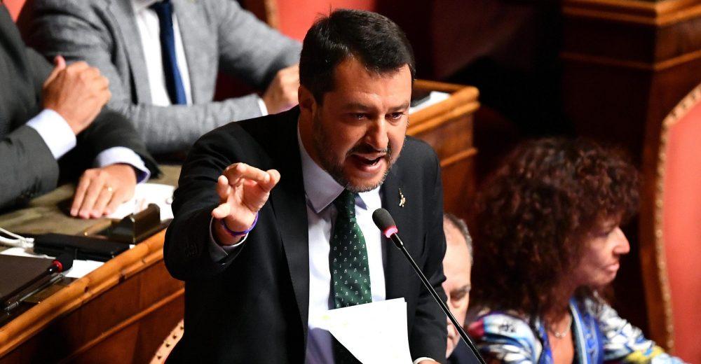 La crisi secondo Matteo. Salvini:«Rifarei tutto», Renzi: «Il populismo ha fallito»