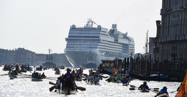 Grandi Navi a Venezia, Franceschini: «Stop entro la fine del mio mandato»
