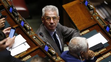 Photo of La Camera dice no all'arresto di Sozzani, tensioni tra M5s e Pd