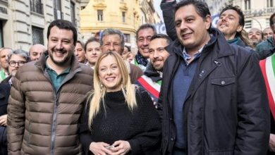 Photo of Meloni, Salvini e Toti in piazza contro il Conte-bis